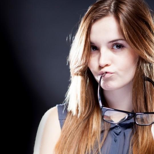Comment payer ses impots quand on travaille comme hotesse webcam