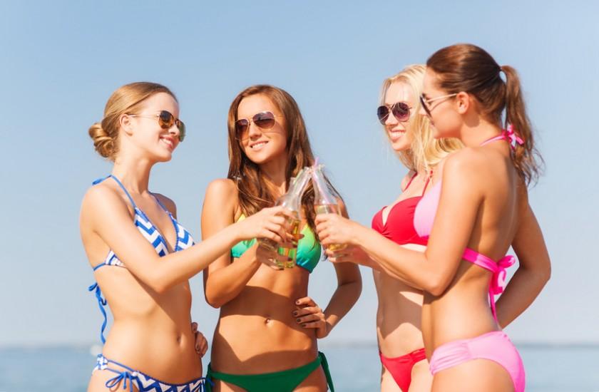 Hotesse webcam sur la plage